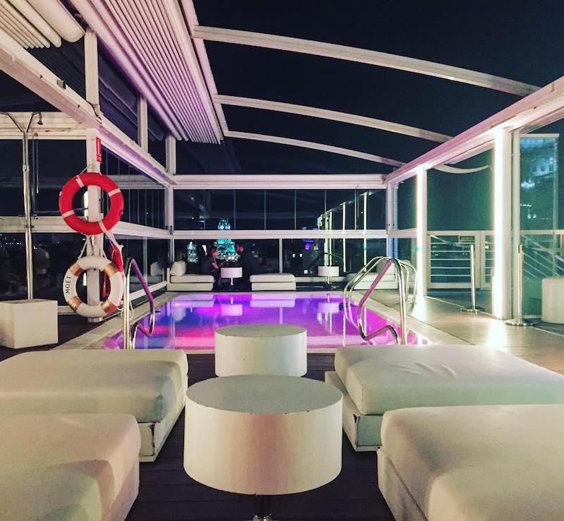Room Mate Oscar es el lugar ideal para alojarse en Madrid si desea un hotel moderno y moderno en el moderno distrito de Chueca.
